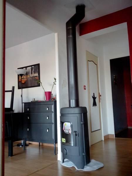 installation po le bois mf chemin e. Black Bedroom Furniture Sets. Home Design Ideas